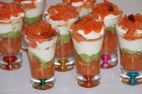 Verrine de saumon fumé, avocat et tomates