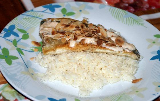 Filet de dorade aux amandes et riz blanc