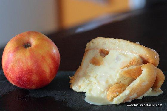 Charlotte aux pommes et coulis caramel beurre salé