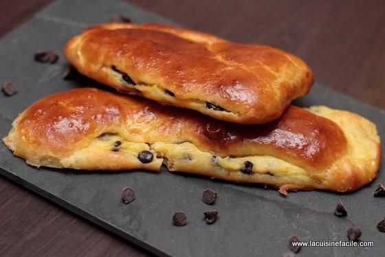 Pains suisses aux pépites de chocolat et crème pâtissière