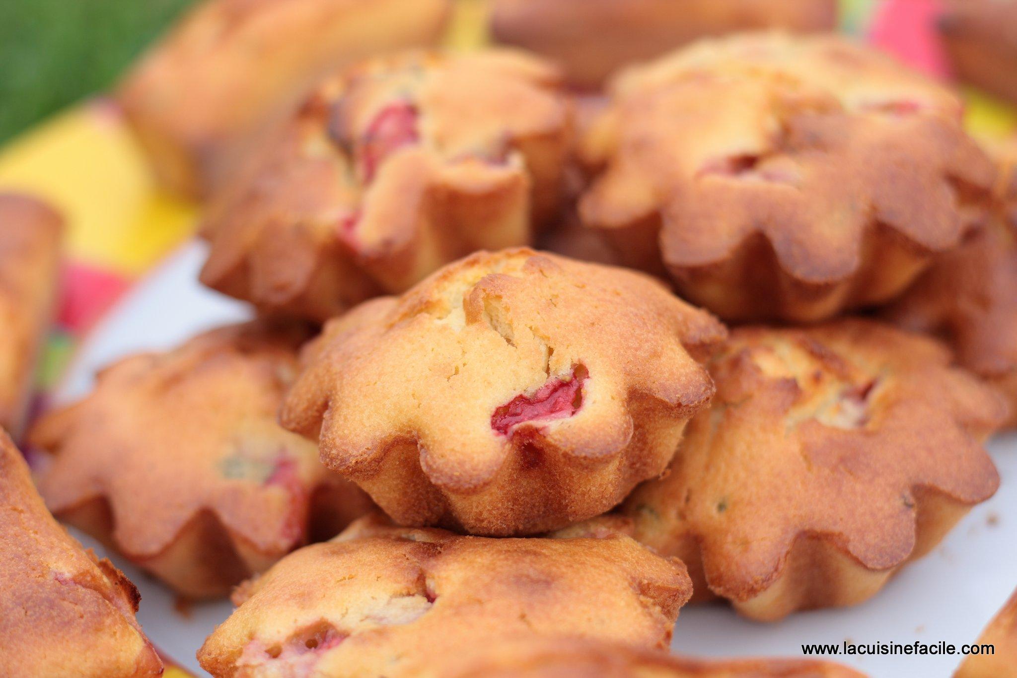 Mini cakes à la fraise et à la menthe