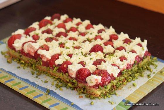 superior cuisine-facile #11: tarte-fraises-pistaches-michalak